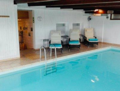 Ruhezone im Schwimmbad - Fastenzentrum Birkhalde