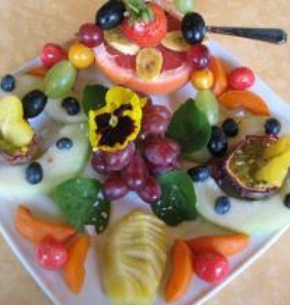 Die Früchtefaster bekommen ihren ersten Früchteteller