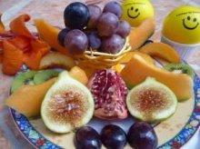 Lecker zubereiteter Früchtefasten-Teller