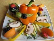Gemüsevariationen mit köstlichem Avocado-Dipp