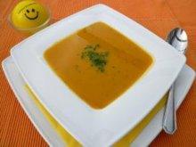 Eine Süßkartoffel-Kokos-Suppe