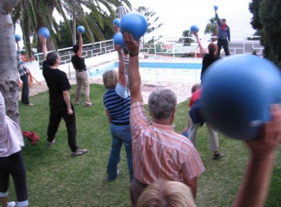 Sportgymnastik in der Seminaranlage auf La Palma
