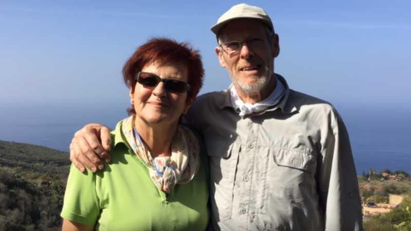 Fastenwandern auf La Palma ein glückliches Ehepaar
